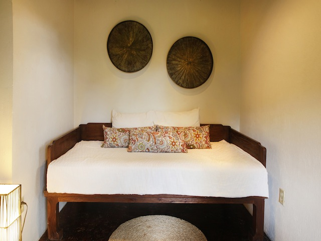 Twin-Size Day Bed in Bedroom 2